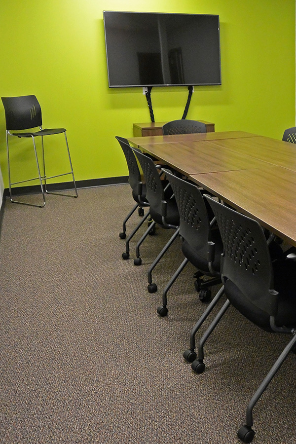 Strategic Research Associates Federal Way Facility Green Focus Group Room with Television